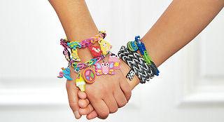 Знаменитые резинки для плетения Rainbow Loom теперь и на Toys.com.ua!